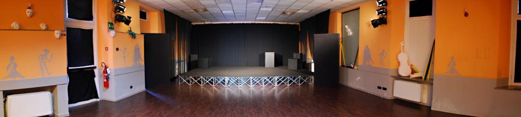 panoramica con palco e quinte armate
